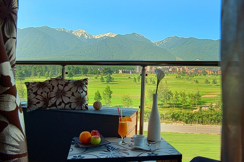 Luxurious Residence Amidst Majestic Mountains, casa vacanza a Simitli