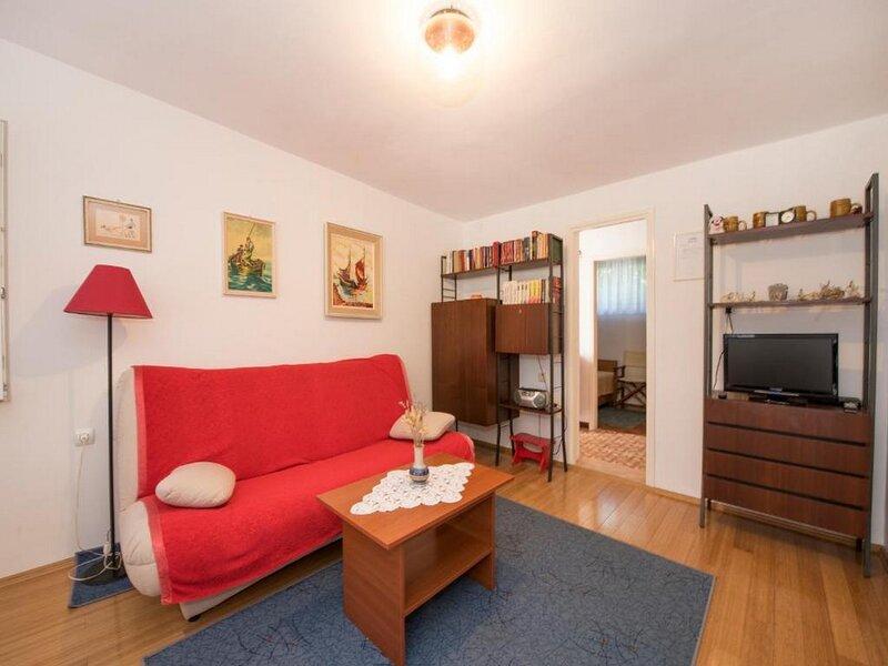 Apartment Zenic - Three Bedroom Apartment with Terrace and Garden View, aluguéis de temporada em Jadrija