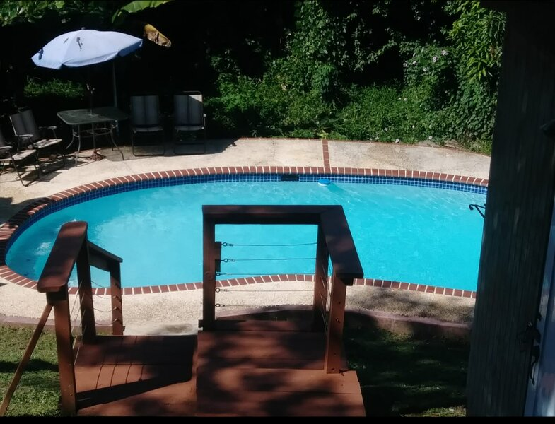 Entire House with private pool, alquiler vacacional en Punta Santiago