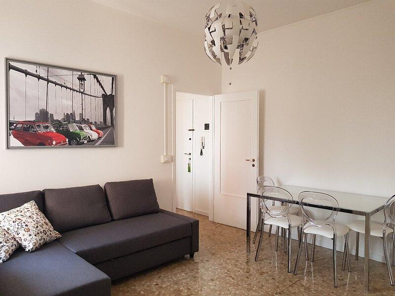 Accogliente appartamento in stile moderno.Vicinanza Ospedali e mezzi pubblici., location de vacances à Garlasco