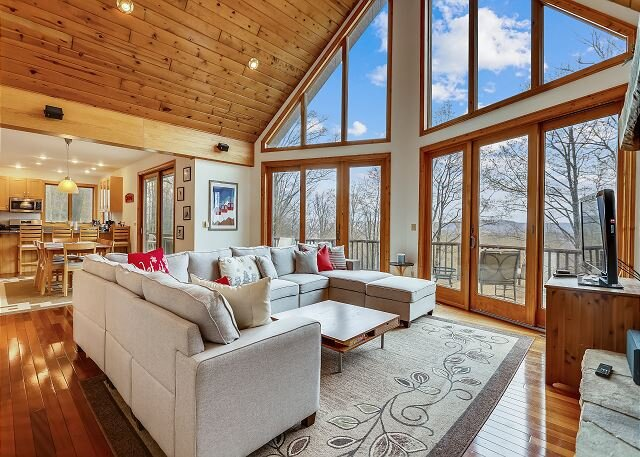 Beautiful Mountain House. We call it that good old Mountain Dew!, holiday rental in Canaan Valley
