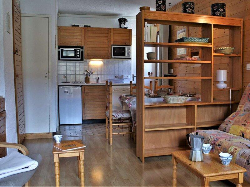 Appartement 2 Pièces 6 couchages RISOUL 1850, vacation rental in Saint-Clement-sur-Durance