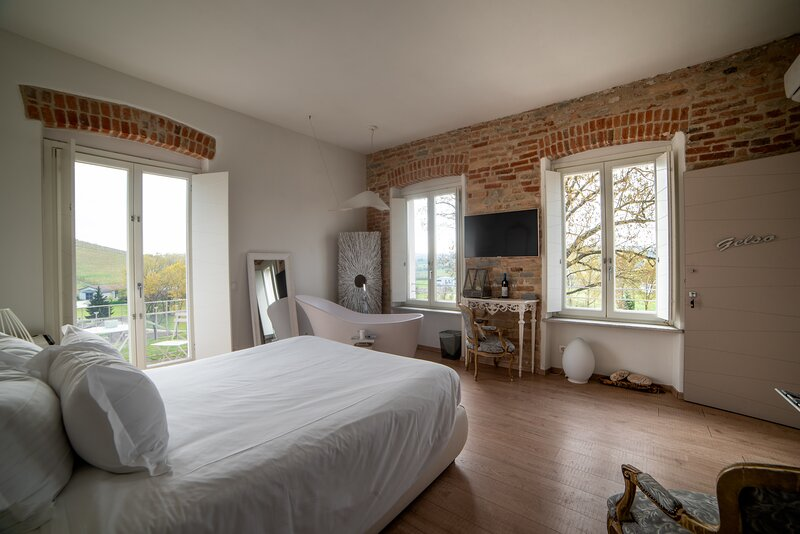 Suite Il Gelso, holiday rental in Costigliole d'Asti