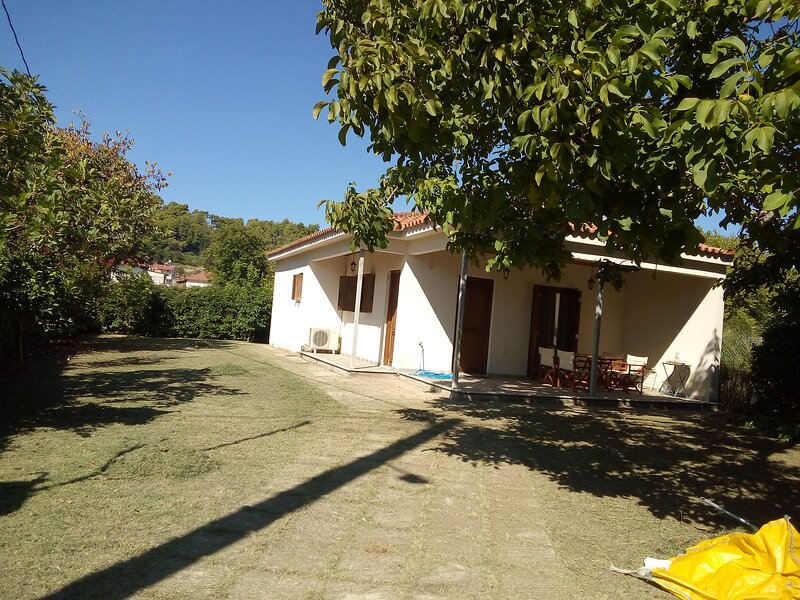 Nice Villa with garden in Ancient Olympia, Greece, holiday rental in Olympia
