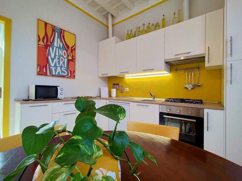 APPARTAMENTO GIALLO ORO, vacation rental in Carimate