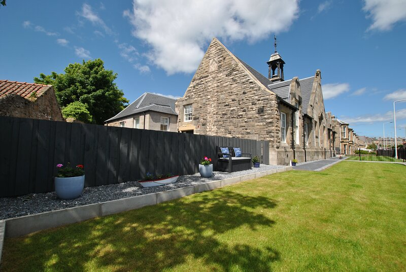 Walter's Neuk- luxury coastal home, holiday rental in Anstruther