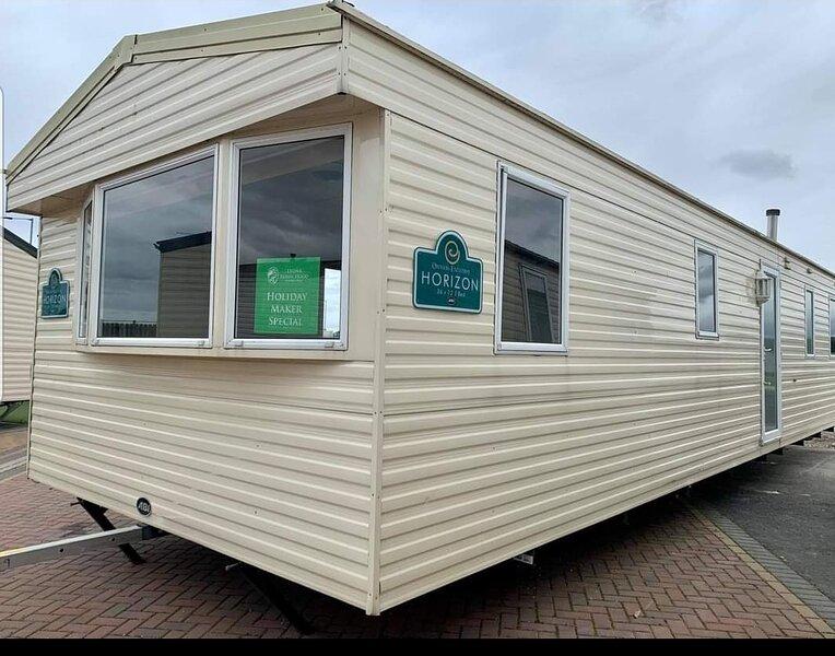 Lovely 3-bed caravan  in beautiful north wales, casa vacanza a Rhyl