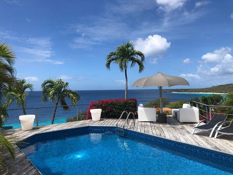My Sunny Place | Gorgeous 180 degrees ocean view | private villa | pool, location de vacances à Sint Jozefsdal