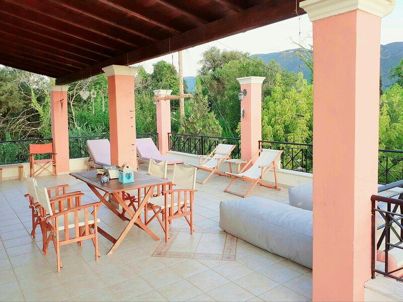 Villa Valia Seaside (Private estate villa in Ipsos bay Corfu), vacation rental in Agios Markos