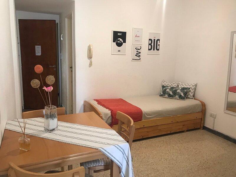 Apartamento Torreon a metros de mar, holiday rental in Province of Buenos Aires