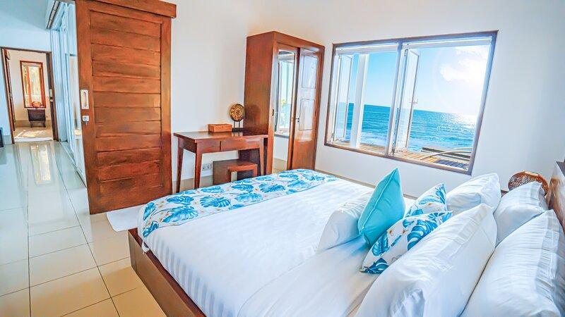 4 Bedroom Beach Villa, holiday rental in Bukti