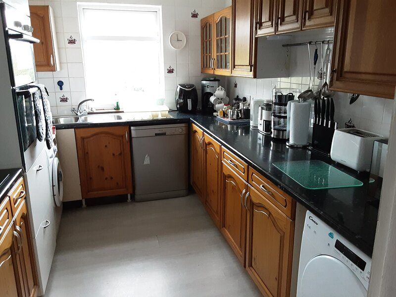 Harriers Haunt Selfcatering accommodation with panoramic views across the Clyde, vacation rental in Kildonan
