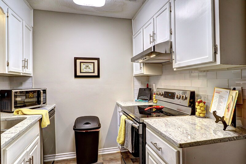 Roswell Peaceful-Fully Renovated! 2BDR King - Max 6 Convenient off GA 400 exit - – semesterbostad i Peachtree Corners