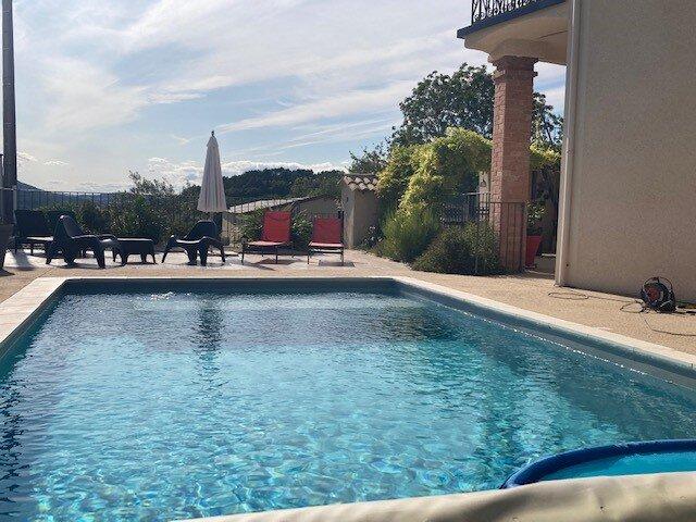 Gîte les Lauriers d'Aimée idéal pour 4 personnes, panorama sur les trois becs, location de vacances à Beaufort-sur-Gervanne