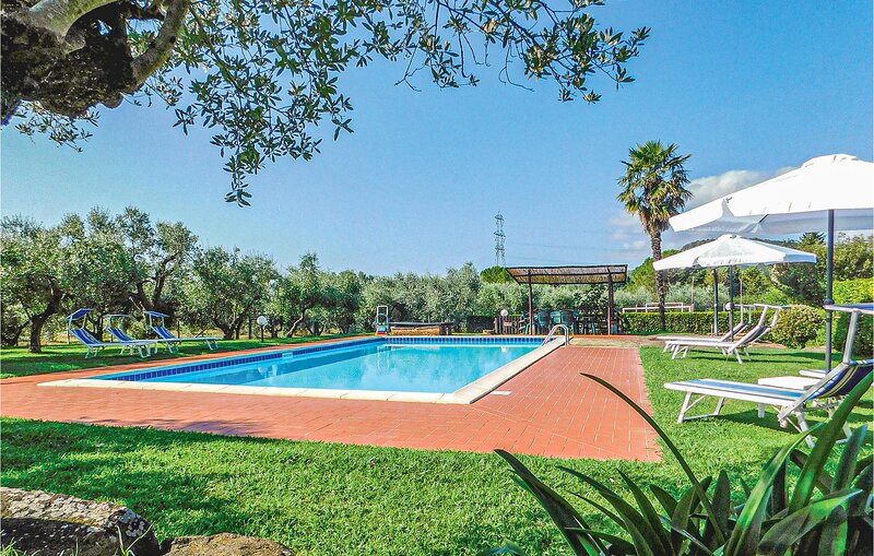 Awesome apartment in Gavorrano with Outdoor swimming pool and 1 Bedrooms (ITG339, aluguéis de temporada em Giuncarico