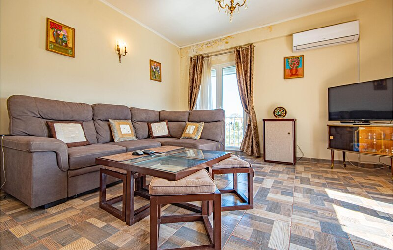 Awesome apartment in Raslina with WiFi and 6 Bedrooms (CDJ786), holiday rental in Raslina
