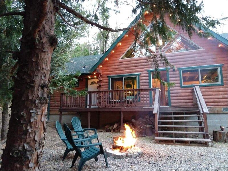 Timber & Creek- Log cabin near Yosemite, alquiler de vacaciones en Ahwahnee