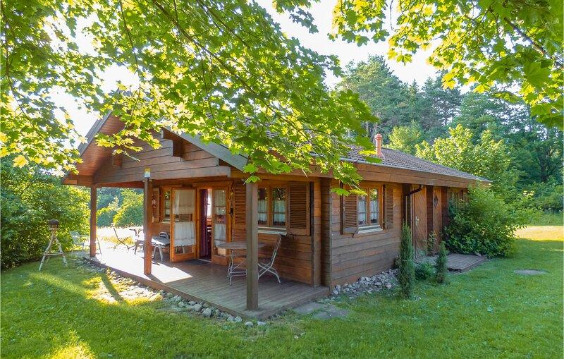 Beautiful home in Hayingen with Sauna and 2 Bedrooms (DBW141), location de vacances à Zwiefaltendorf
