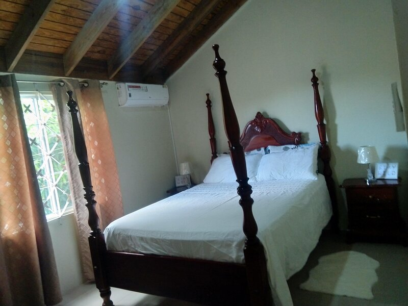 Palms Villa, vacation rental in Old Harbour