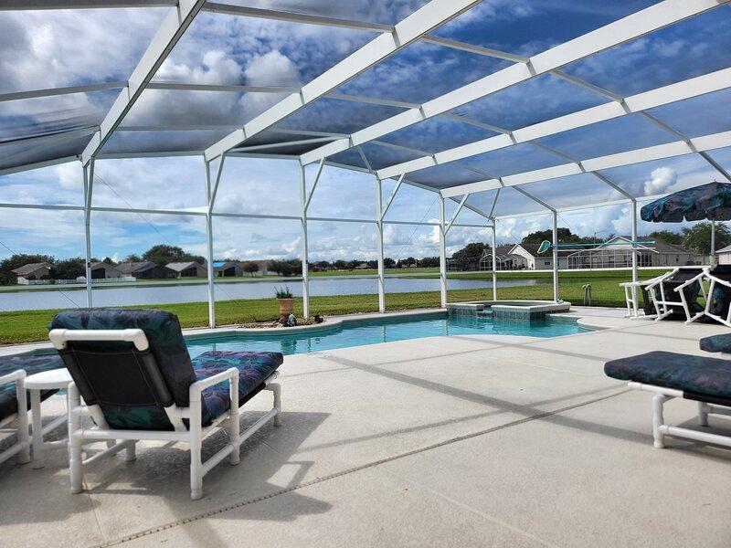 Luxury Home with Exceptional Games Room. 610, location de vacances à Saint Cloud