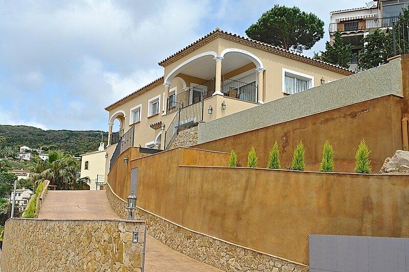 Casa Mas Ambros, holiday rental in Calonge