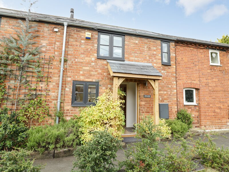 Middle Cottage, Priors Marston, holiday rental in Long Itchington