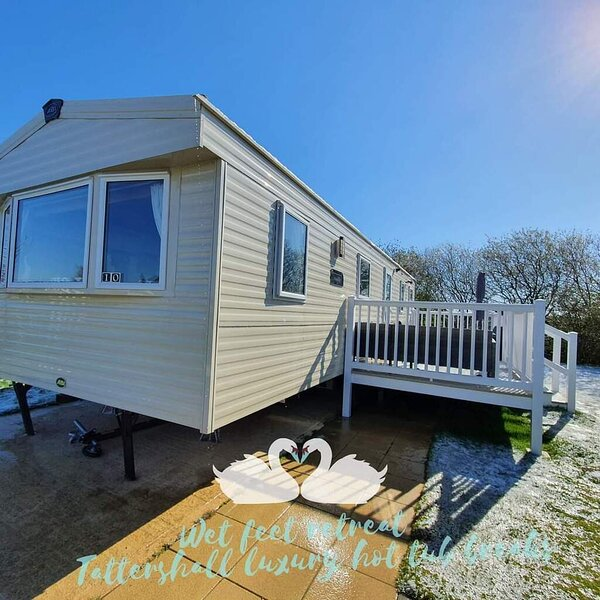 Inviting Luxury Caravan at Tattershall Lakes, holiday rental in South Kyme