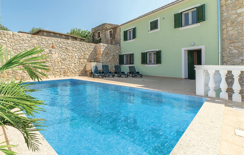 Awesome apartment in Banj with 1 Bedrooms, Outdoor swimming pool and WiFi (CDU43, vacation rental in Banj