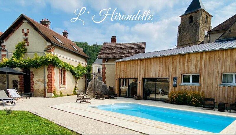 CHARMANTE POOL HOUSE PRES DE VEZELAY, alquiler vacacional en Vézelay