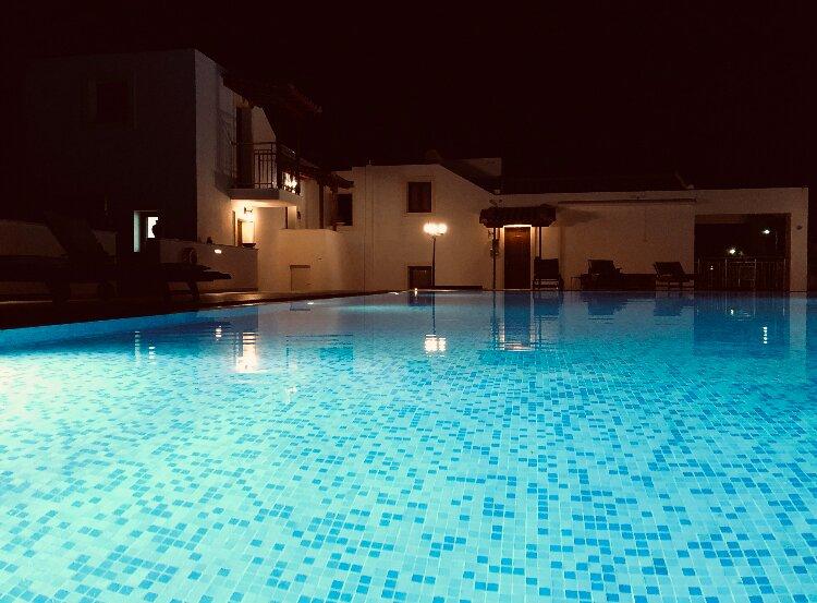 Parisis villas with Pool, aluguéis de temporada em Platanias
