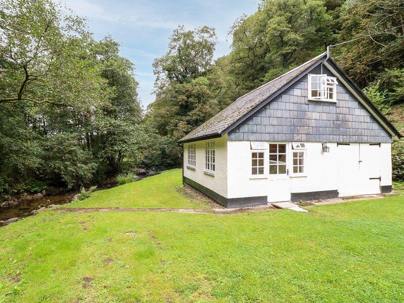 Tucking Mill Lodge, Lynton, holiday rental in Challacombe