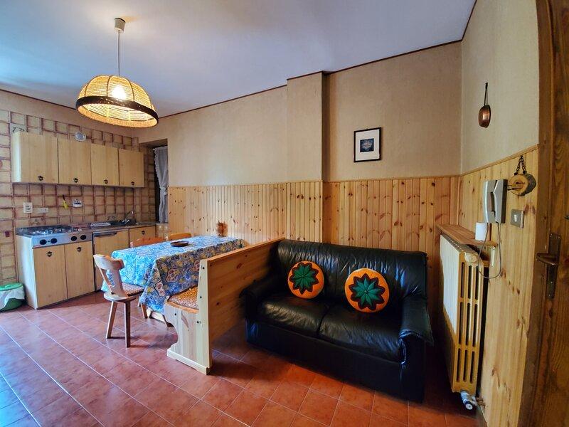 Bon Joun Case Legna, location de vacances à Moretta