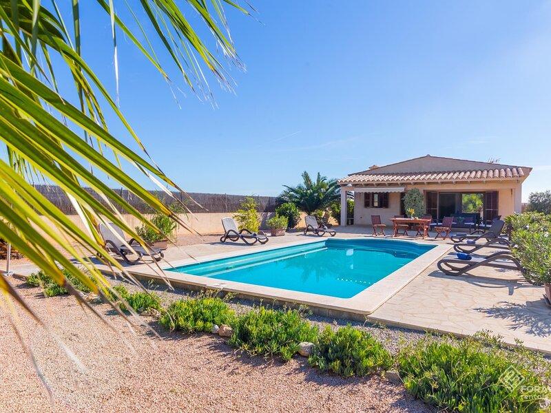 Can Melis - Modern villa with pool near Campanet, aluguéis de temporada em Campanet