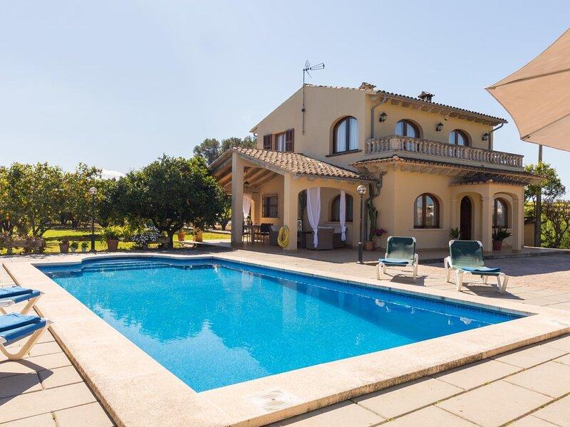 Can Miraet - Beautiful villa with pool and garden in Santa Margalida, aluguéis de temporada em Santa Margalida
