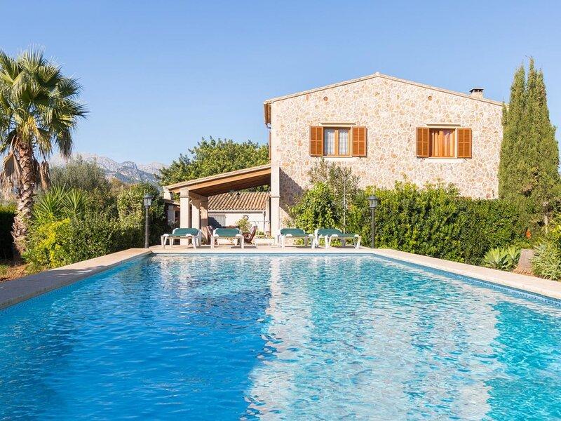 Can Tut - Beautiful villa with pool and garden in Campanet, aluguéis de temporada em Campanet