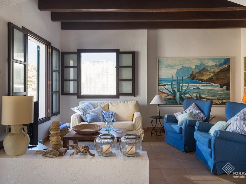 Can Niu - Beautiful house with terrace in Cala Sant Vicenç, aluguéis de temporada em Cala San Vincente