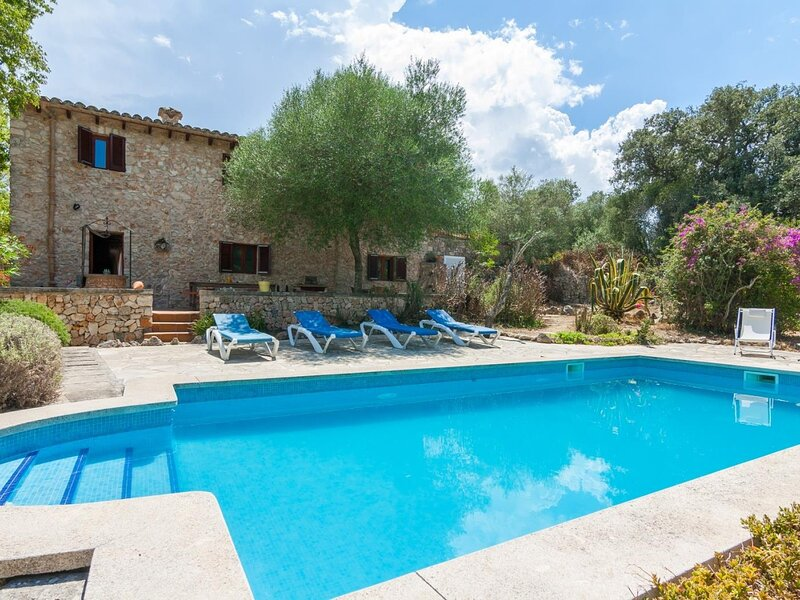 Can Gallet - Beautiful rustic villa in Costitx, location de vacances à Costitx