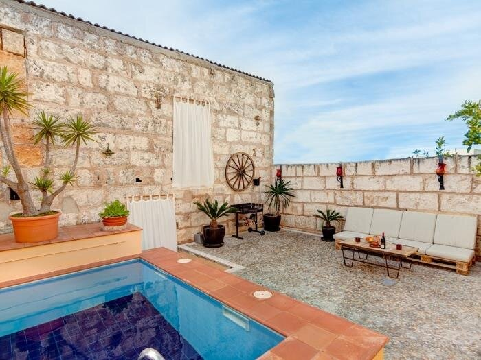 Cas Coco - Welcoming townhouse with private pool in Muro, holiday rental in Muro