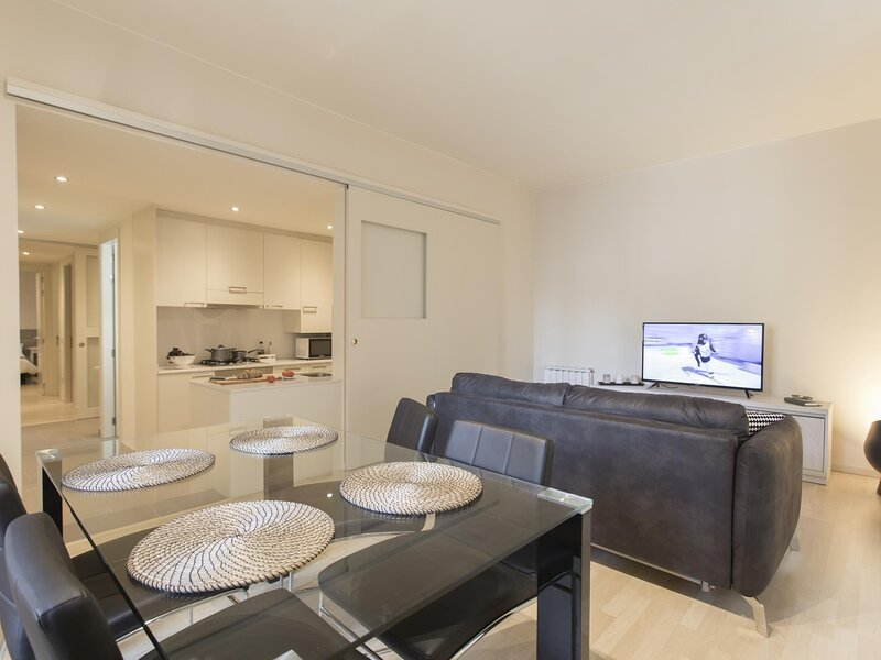 Cort Reial 2B - Holiday apartment in Girona, holiday rental in Sant Gregori