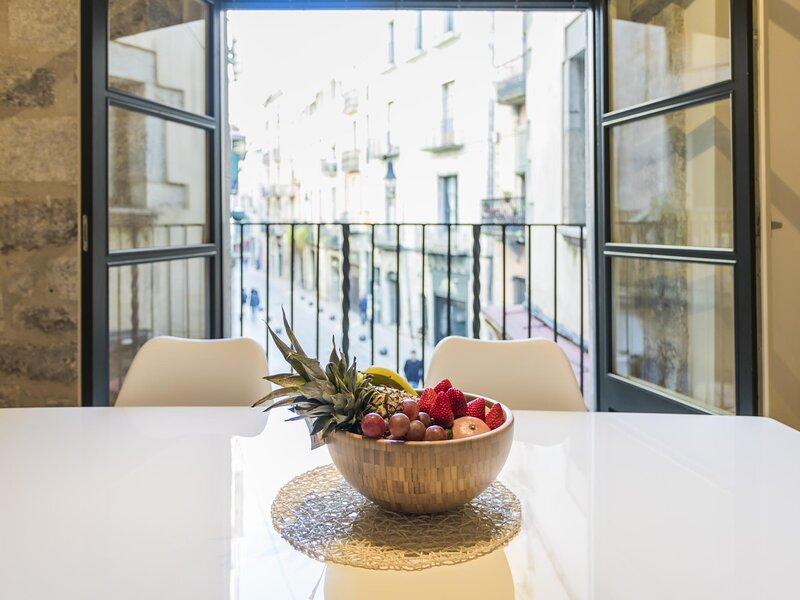 Cort Reial 1B - Holiday apartment in Girona, aluguéis de temporada em Sant Gregori