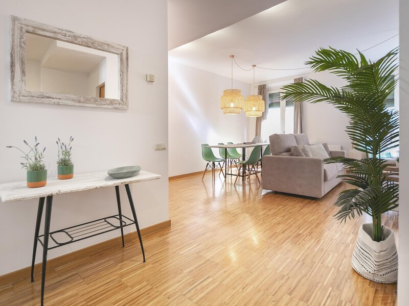 Sunset - Holiday apartment in Girona, holiday rental in Sant Gregori