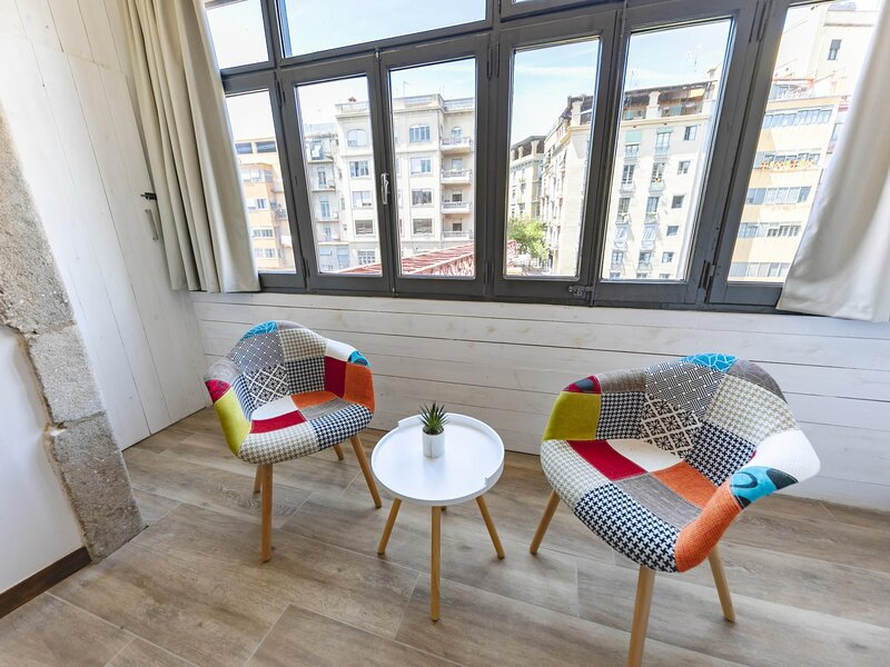 Eiffel Rambla 2 - Holiday apartment in Girona, holiday rental in Sant Gregori