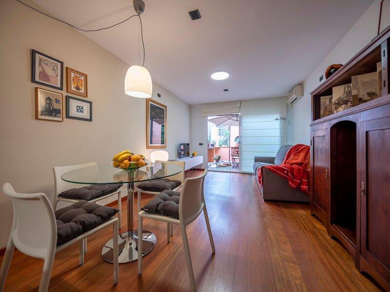 Magnolia House - Holiday apartment in Girona, alquiler de vacaciones en Cassa de la Selva