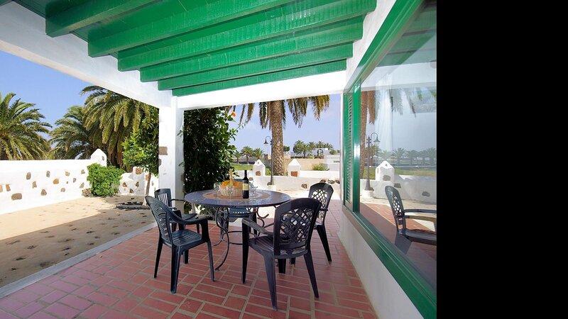 Villas Finca la Crucita 3 Bedrooms Type G, holiday rental in Maguez