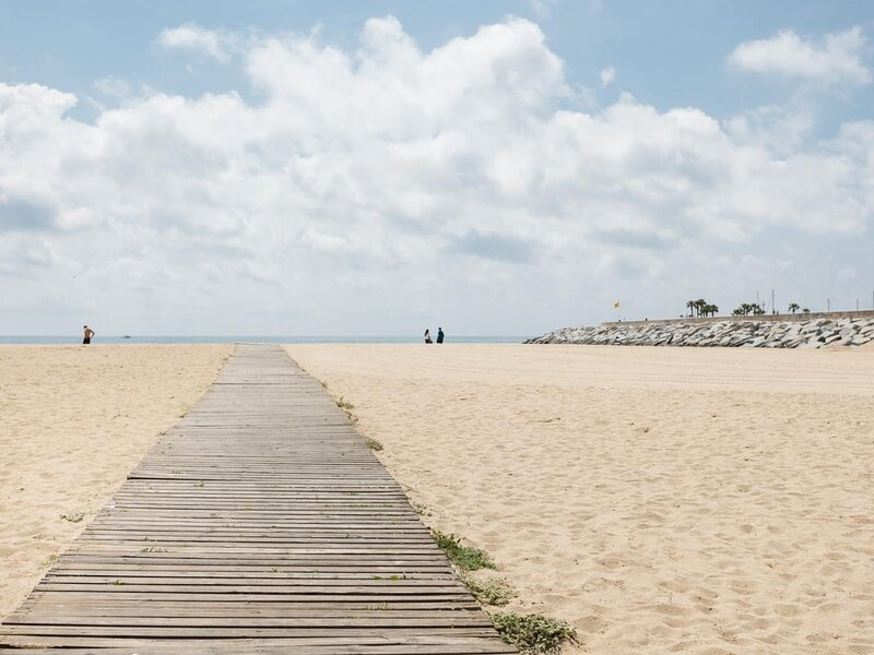 25 km Barcelona , 100 meters from the beach (mat6), holiday rental in Mataro