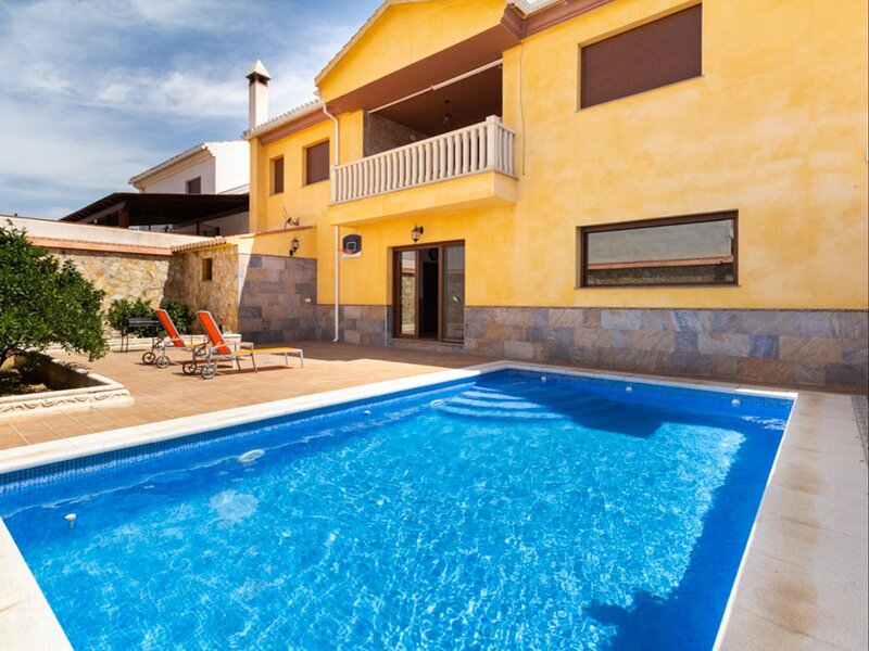 Apartment with terrace and private pool, vacation rental in Villamena