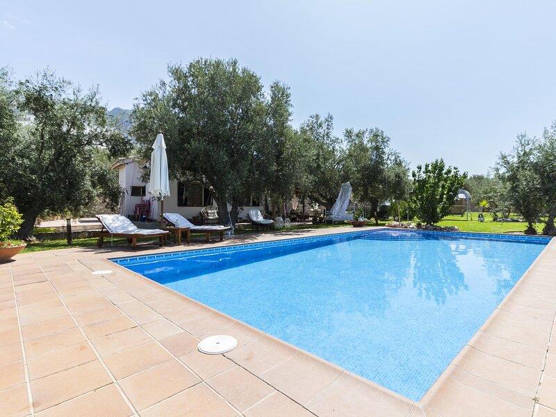 Charming farmhouse, garden, pool and wifi, vacation rental in Villamena