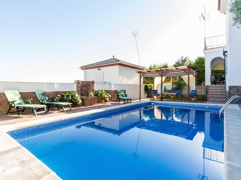 Cottage with beautiful views and private pool, holiday rental in Pinar