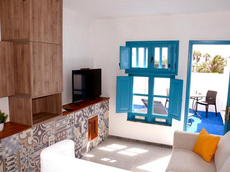 Bungalow Tranquilidad newly renovated with private terrace, alquiler de vacaciones en Charco del Palo