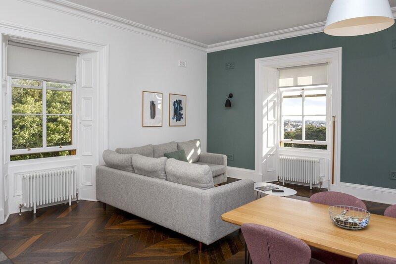Ranol (Deluxe 1-bedroom apartment), casa vacanza a Leurbost